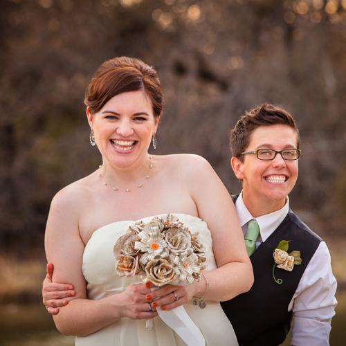 Lesbian_couple_wedding